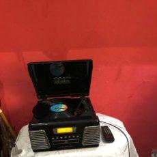 Gramophones: CROSLEY TOCADISCOS CR712 AUTORAMA CON REPRODUCTOR DE CD Y RADIO AM/FM,CON SU MANDO . FUNCIONA.. Lote 286381028