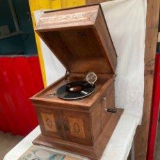 Grammofoni e gramolas: ANTIGUO Y PRECIOSO GRAMOFONO RENOPHONE BARCELONA!. Lote 290675558