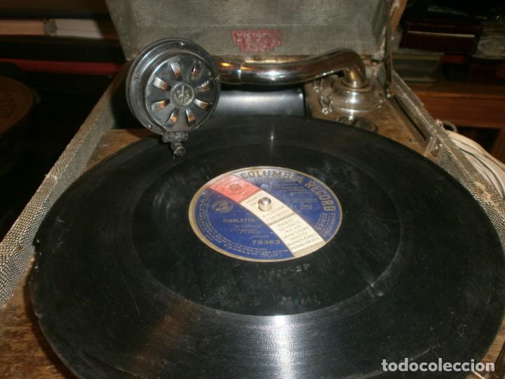 Gramófonos y gramolas: Gramola de maleta marca Victoria - funciona. - Foto 5 - 40663444
