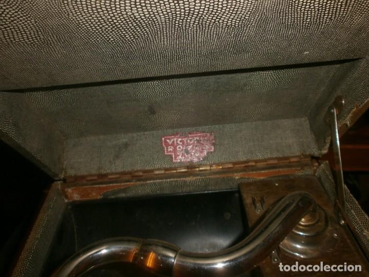 Gramófonos y gramolas: Gramola de maleta marca Victoria - funciona. - Foto 8 - 40663444