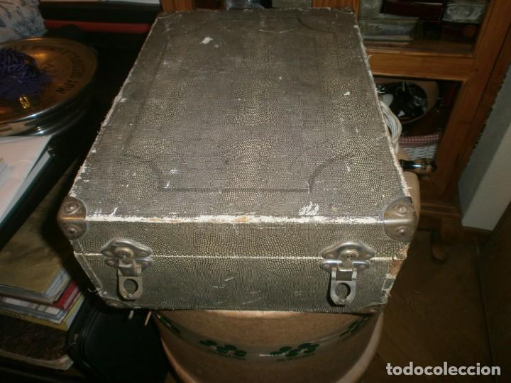Gramófonos y gramolas: Gramola de maleta marca Victoria - funciona. - Foto 9 - 40663444