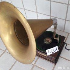 Gramófonos y gramolas: GRAMOFONO ANTIGUO. Lote 297034953