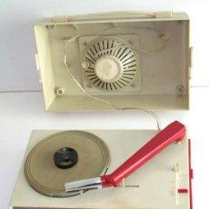 Radios antiguas: TOCADISCOS PHILIPS DE ÉPOCA, FUNCIONANDO. Lote 42585017