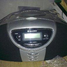 Radios antiguas: RUTILANTE RADIO REPRODUCTOR CD, AUDIO NORMAL Y MP3 ... ROADSTAR. Lote 56719347