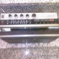 Radios antiguas: RADIO CASSET SANYO DE MALETA. Lote 26227642