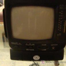 Radios antiguas: PEQUEÑA RADIO TELEVIOSION, AÑOS 70 /80, FUNCIONANDO , . Lote 19930256