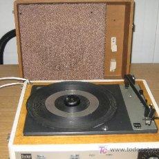 Radios antiguas: TOCADISCOS DE MALETA - BETTOR - AÑOS 60. Lote 18395429