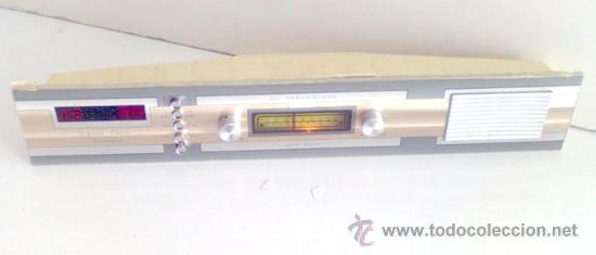 CURIOSA RADIO ALARGADA DE ËPOCA, FUNCIONANDO (Radios, Gramófonos, Grabadoras y Otros - Transistores, Pick-ups y Otros)