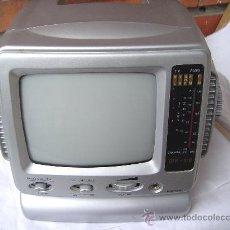 Radios antiguas: PEQUEÑA RADIO TV. PORTATIL SILVAN. Lote 26291276
