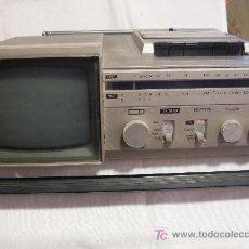 Radios antiguas: ANTIGUO APARATO DE RADIO CASSETTE Y TELEVISION. Lote 27264577