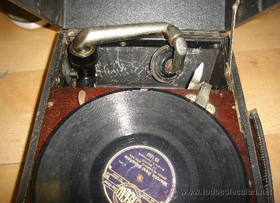 Radios antiguas: GRAMOFONO MAESTROPHONIC Nº13. AÑOS 40. CONTIENE AGUJAS DE REPUESTOS - Foto 6 - 104400691