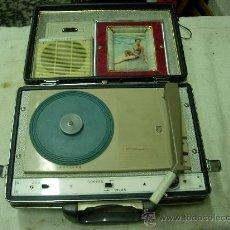Radios antiguas: TOCADISCOS PHILIPS FUNCIONANDO. Lote 29306432