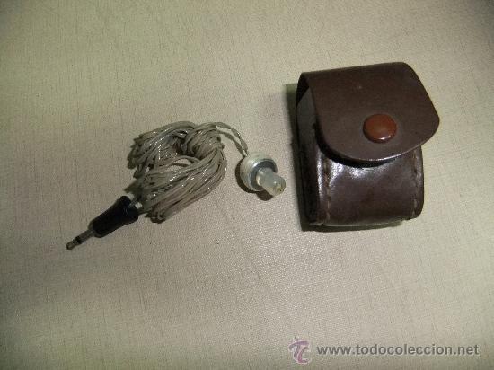 AURICULAR DE RADIO CON SU FUNDA (Radios, Gramófonos, Grabadoras y Otros - Transistores, Pick-ups y Otros)