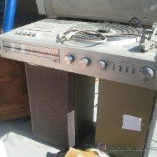 Radios antiguas: PHILIPS - COMPACTO - RADIO CASETTE TOCADISCOS -CON 2 ALTAVOCES, FUNCIONANDO. Lote 32311814