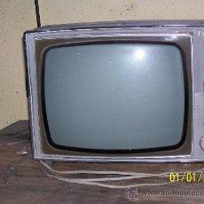 Radios antiguas: TELEVISOR RADIOLA. Lote 30515974