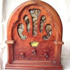 Radios antiguas: RADIO PEQUEÑA, FUNCIONA CON PILAS REF. RA 1. Lote 31597421