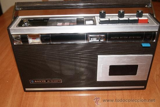 RADIO CASSETTE SANYO MODELO MR-4112F AÑOS 70 (Radios, Gramófonos, Grabadoras y Otros - Transistores, Pick-ups y Otros)
