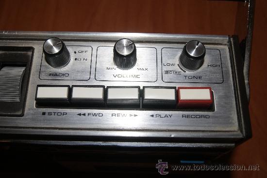 Radios antiguas: Radio Cassette Sanyo modelo MR-4112F años 70 - Foto 3 - 31692049