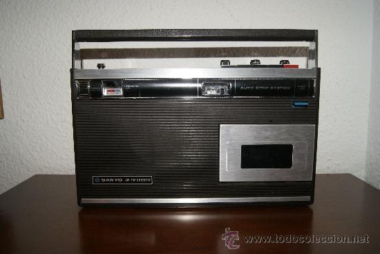 Radios antiguas: Radio Cassette Sanyo modelo MR-4112F años 70 - Foto 8 - 31692049