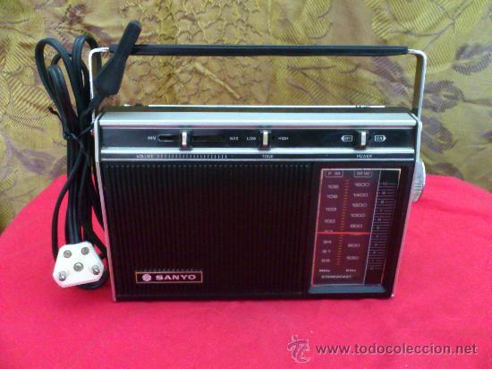 RADIO SANYO MODEL RP5311. FUNCIONA... (Radios, Gramófonos, Grabadoras y Otros - Transistores, Pick-ups y Otros)