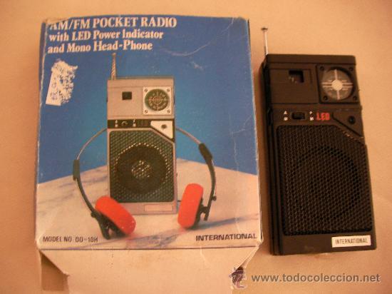 ANTIGUA RADIO TRANSISTOR CON CAJA INTERNATIONAL FUNCIONANDO (Radios, Gramófonos, Grabadoras y Otros - Transistores, Pick-ups y Otros)