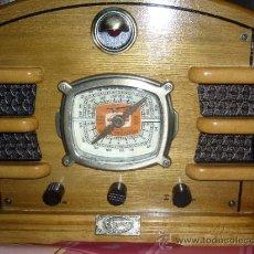 Radios antiguas: RADIO DE MADERA CON CASETTE. Lote 34122295