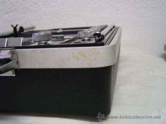 Radios antiguas: COMPACTO MUSICAL TOCADISCOS, CASETE Y RADIO EN UN MALETIN - Foto 4 - 34430369