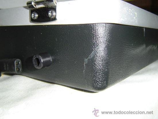 Radios antiguas: COMPACTO MUSICAL TOCADISCOS, CASETE Y RADIO EN UN MALETIN - Foto 6 - 34430369