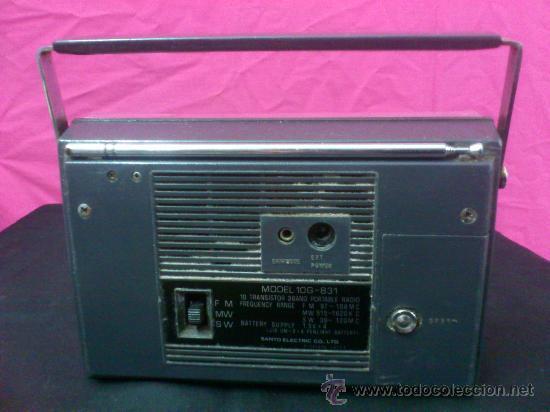 Radios antiguas: RADIO TRANSISTOR SANYO COLORANO. VINTAGE. FUNCIONA. - Foto 3 - 66530701