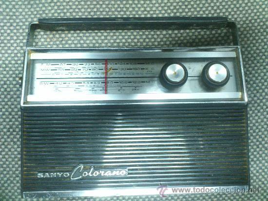 Radios antiguas: RADIO TRANSISTOR SANYO COLORANO. VINTAGE. FUNCIONA. - Foto 5 - 66530701