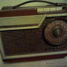 Radios antiguas: ANTIGUA RADIO, FUNCIONA PERFECTAMENTE. Lote 35402944