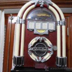 Radios antiguas: PRECIOSA REPRODUCCIÓN DE RADIO JUKEBOX. Lote 35690527