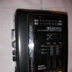 Radios antiguas: ANTIGUO TRANSISTOR DE RADIO Y CASSETTE SHARP FUNCIONANDO. Lote 36394073