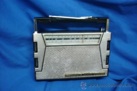 RADIO A TRANSISTORES MARCA REALTONE AM/FM/SW - 14 TRANSISTORES - MADE IN JAPAN AÑOS 60 - FUNCIONA (Radios, Gramófonos, Grabadoras y Otros - Transistores, Pick-ups y Otros)