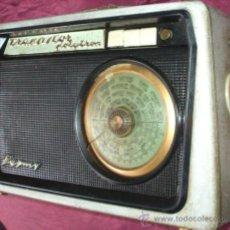 Radios antiguas: RADIO TRANSISTOR FRANCES MARCA PYGMY DE 1960 FUNCIONANDO AUNQUE UN POCO SUCIO. Lote 36394826