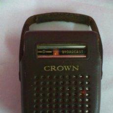 Radios antiguas: RADIO TRANSISTOR CROWN BROADCAST CON FUNDA INCLUIDA. FUNCIONA... Lote 36502879