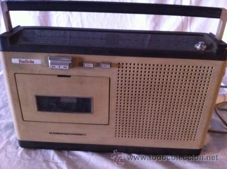 RADIO CASETTE RADIOLA (Radios, Gramófonos, Grabadoras y Otros - Transistores, Pick-ups y Otros)