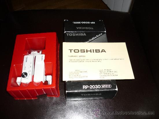 JOYA CASCOS - NO WALKMAN- TOSHIBA RP 2030 WHITE CON CAJA AÑOS 80 FUNCIONANDO (Radios, Gramófonos, Grabadoras y Otros - Transistores, Pick-ups y Otros)