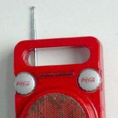 Radios antiguas: RADIO TRANSISTOR DE PUBLICIDAD DE COCA-COLA. FUNCIONA. Lote 37975895