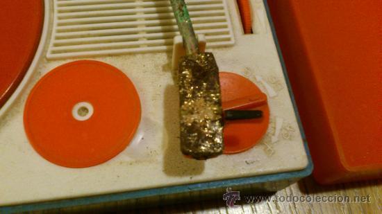Radios antiguas: Antiguo tocadiscos de juguete para restaurar y reparar funcionaba a pilas - Foto 4 - 38505543
