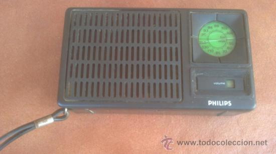 ANTIGUO TRANSISTOR PHILIPS..AM-FM.FUNCIONA. (Radios, Gramófonos, Grabadoras y Otros - Transistores, Pick-ups y Otros)