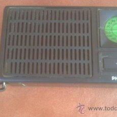 Radios antiguas: ANTIGUO TRANSISTOR PHILIPS..AM-FM.FUNCIONA.. Lote 39048628