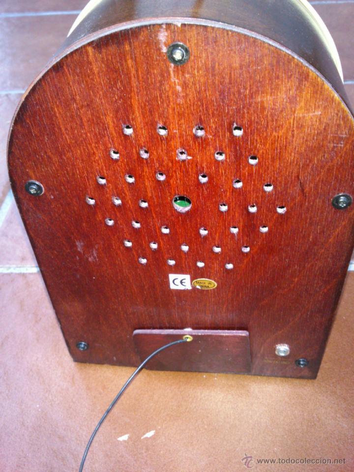 Radios antiguas: REPLICA RADIO CON FORMA DE JUKE BOX DE TRANSISTORES EN MADERA Y PLASTICO.CON LUZ - Foto 5 - 39579428