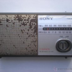 Radios antiguas: RADIO TRANSISTOR SONY, ICF -303_2 BANDAS, AM Y FM, FUNCIONANDO. Lote 40794913