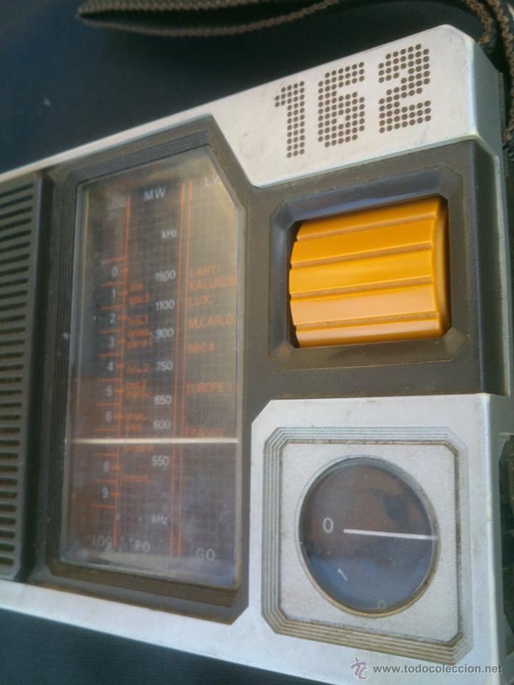Radios antiguas: RADIO TRANSISTOR PHILIPS 90 AL 162 .FUNCIONANDO - Foto 2 - 42533027