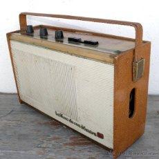 Radios antiguas: BONITA RADIO TRANSISTOR LA VOZ DE SU AMO FRANCESA DE MALETIN ANTIGUA. Lote 42538345