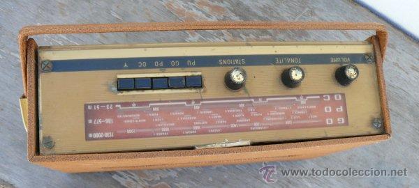Radios antiguas: BONITA RADIO TRANSISTOR LA VOZ DE SU AMO FRANCESA DE MALETIN ANTIGUA - Foto 2 - 42538345