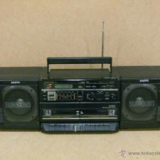 Radios antiguas: RADIO CON DOBLE CASSETTE SANYO WIDE SURROUND.. Lote 147917929