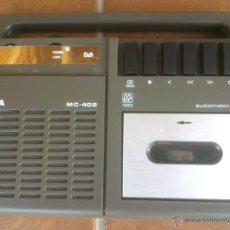 Radios antiguas: ANTIGUO CASSETTE INGRA MC 402 .MADE IN SPAIN. PORTABLE.28X21CM. Lote 43186734