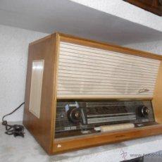 Radios antiguas: RADIO - TOCADISCOS AÑOS 50 - 60 DE LA CASA SABA. Lote 43427290
